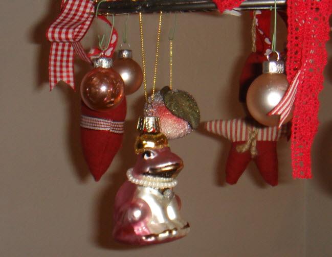 Julekugle med royal frø