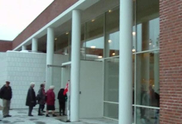 Borgmester Ivan Hansen indvier tilbygningen på Rådhuset (video)