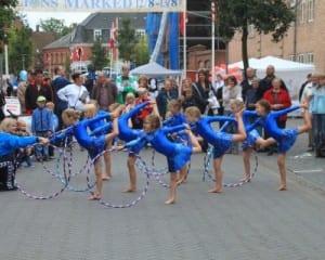 Gymnastikopvisning på Lions Marked