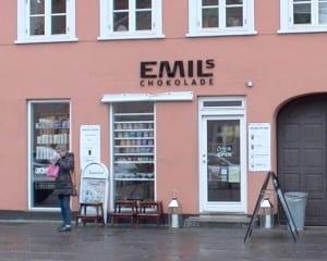 Hvornår kan man besøge Emils Chokolade?