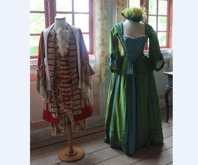 Kostumer i Holbergs stuer