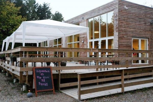 Nye åbningstider i ParnasHusets Cafe
