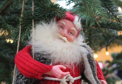 Enliges jul opgiver julearrangement