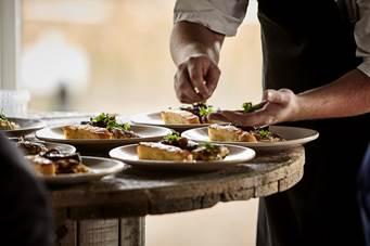 Overvejer du at blive tjener eller kok?
