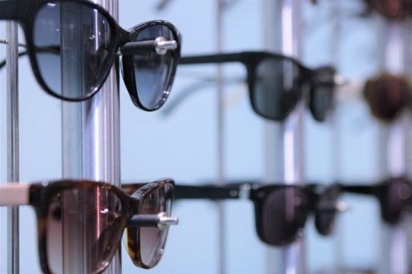 Slip for at tage solbrillerne af og på