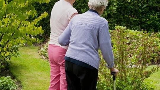 Bedre tilbud til demente og deres pårørende