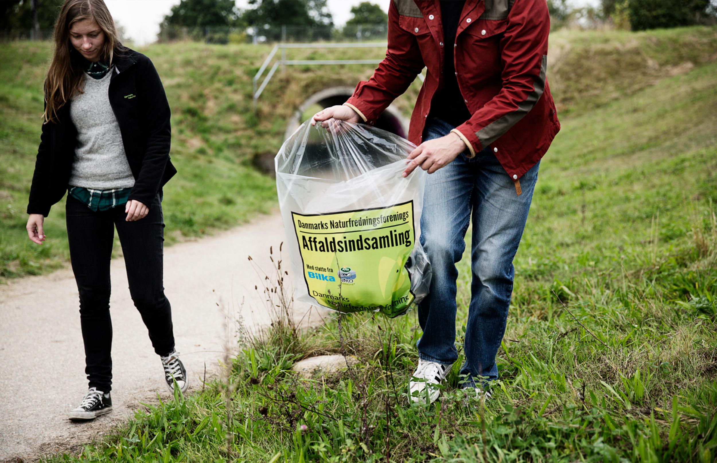 Affaldsindsamling udsættes til september