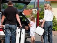 Gem værdierne væk, når du forlader bilen. Pas, penge og smykker bør aldrig blive alene tilbage i bilen. Pressefoto: GF Forsikring.